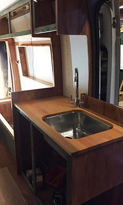 Full size kitchen sink